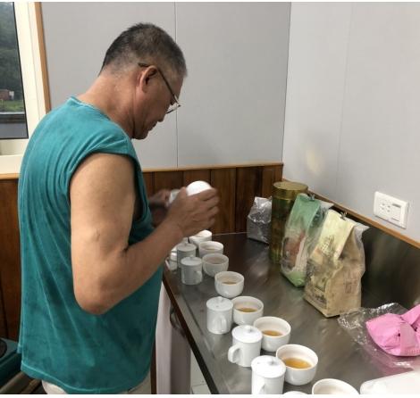 台灣陳年老茶的外觀鑑別(40年、30年、20年、10年、5年)